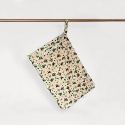 Little Lamb - wetbag med lynlås og strop - ladybugs lullaby