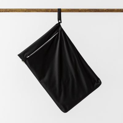 Little Lamb - wetbag med lynlås og strop - black